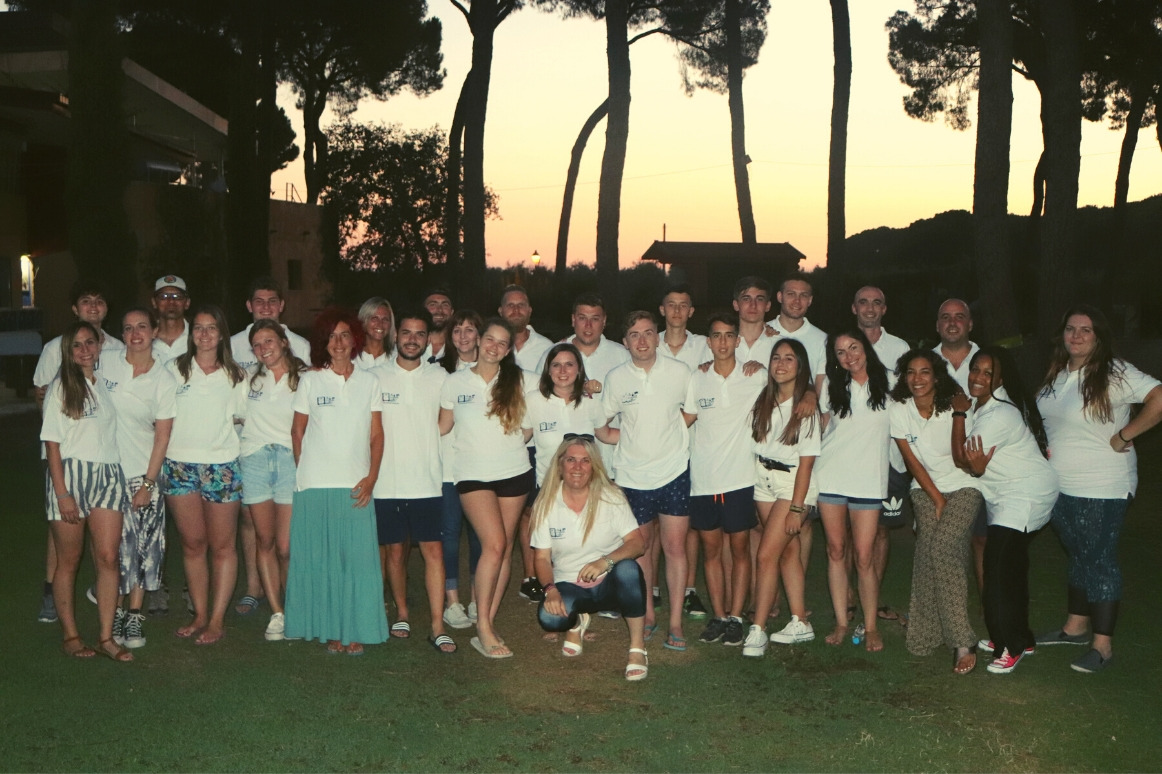 Equipo monitores CBS Summer Camp